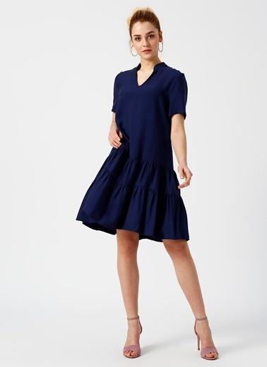 Limon Company V Yaka Eteği Volanlı Elbise Lacivert